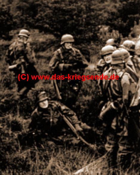 """Bild 7: Hans Schneider, Ausbildungsoffizier in der 363. Volksgrenadier Division: """"Angehörige des I./GR.957 sind bei Hagdorn (nördl. Wissen) in Stellung und erwarten den Angriffsbefehl."""" Einige von Ihnen werden die Kämpfe um den amerikanischen Brückenkopf in Brückhöfe vermutlich nicht überlebt haben."""