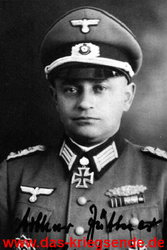 Als Oberst, vor Beginn der Ardennenoffensive 1944.