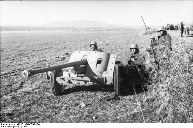 Deutsche Soldaten mit PaK-38