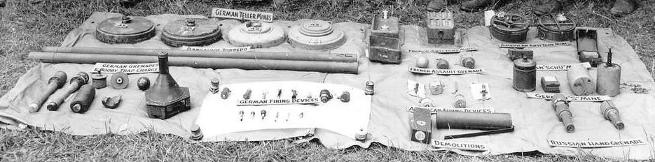 Durch die Amerikanischen Verbände sichergestellten Kampfmittel - Bild Signal Corps, US Army