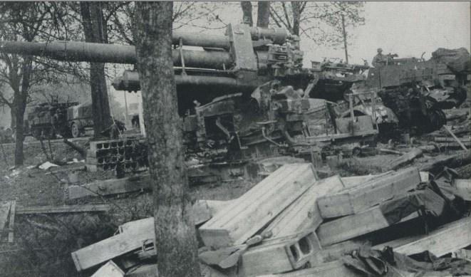 Durch die 13. US Panzerdivision ausgeschaltete 8,8-Flakstellung im Ruhrkessel.