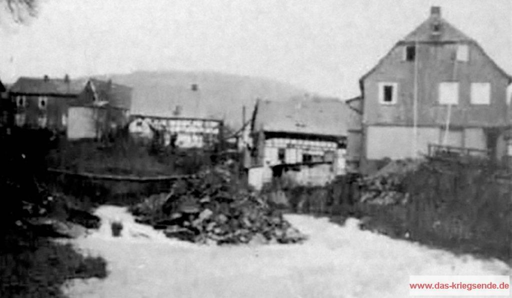 Durch amerikanische Pioniere errichteter Steeg über die Heller in Alsdorf.