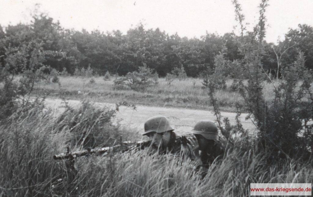 Ausbildungstage der Hilterjugend im Reichsausbildungslager (RAB) Prinz Eugen.