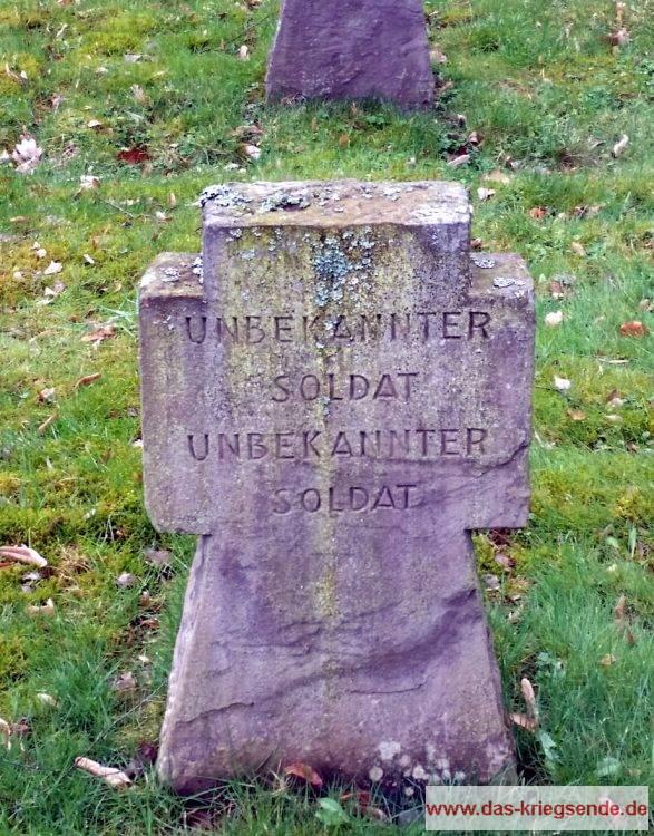 Grabstein zweier Unbekannter Soldaten. Foto: Gunnar J.S. Frese, Kausen