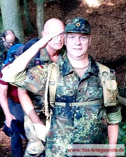 Hier melde ich Herrn Oberst Thym das Eintreffen der Gruppe vor Hümmerich.
